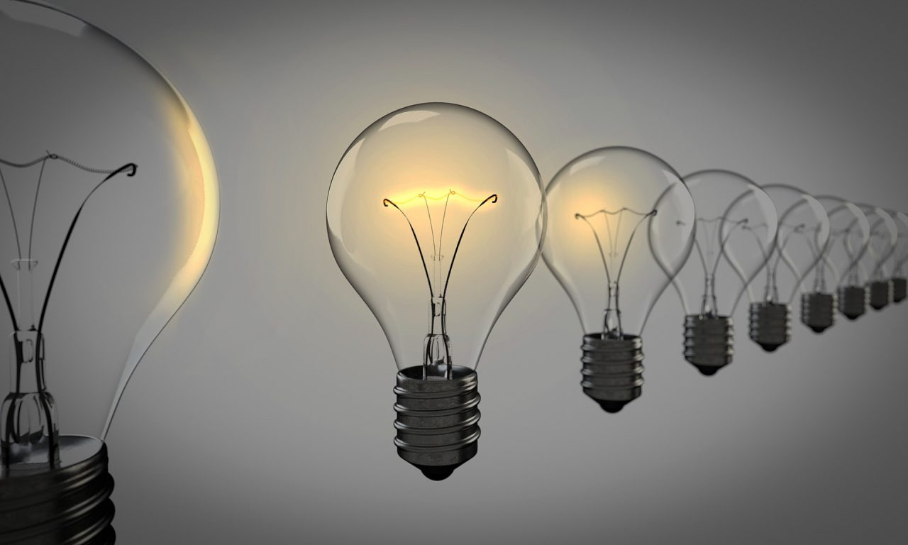 light-bulbs-1875384_1920-1280x768.jpg