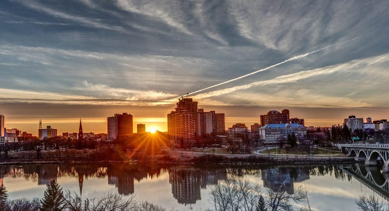 sunset-370244_1920-1280x693.jpg